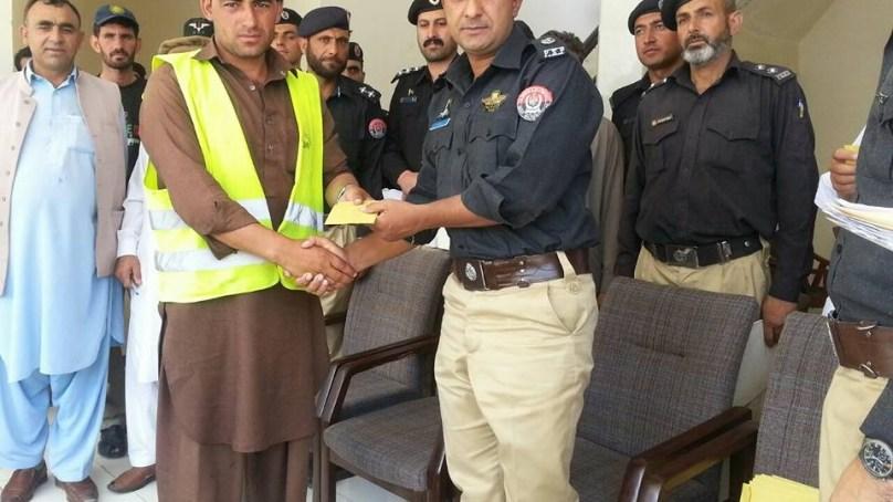 شاہراہ بابوسر و ناران پر رضاکاروں کی خدمات قابلِ تحسین ہیں، ایس پی محمد اجمل