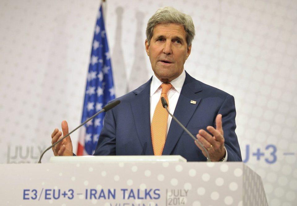 Държавният секретар на САЩ Джон Кери пред медиите във Виена Снимка: EPA/БГНЕС