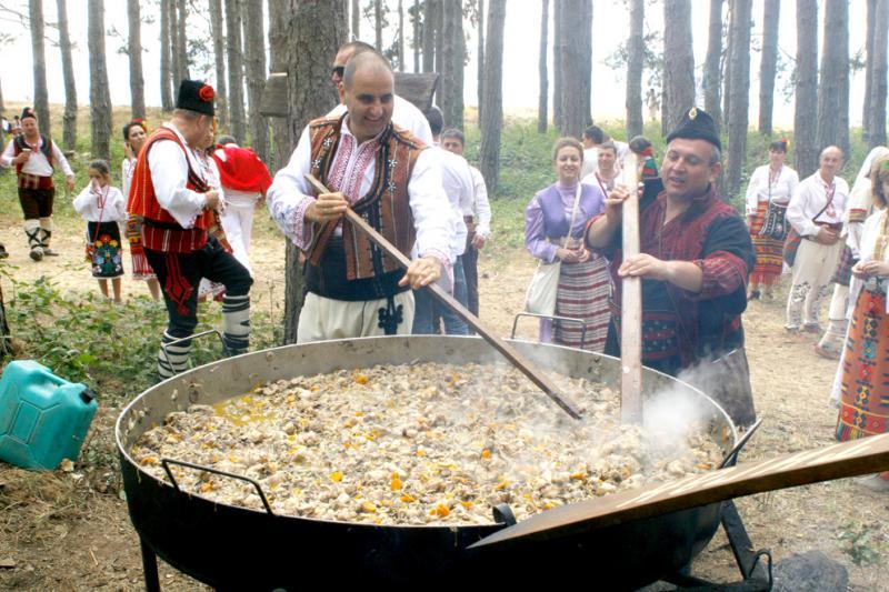 Цветан Цветанов, Жеравна, 2012 г. Бърка в т.нар. Юнашки тиган от Копривщица.