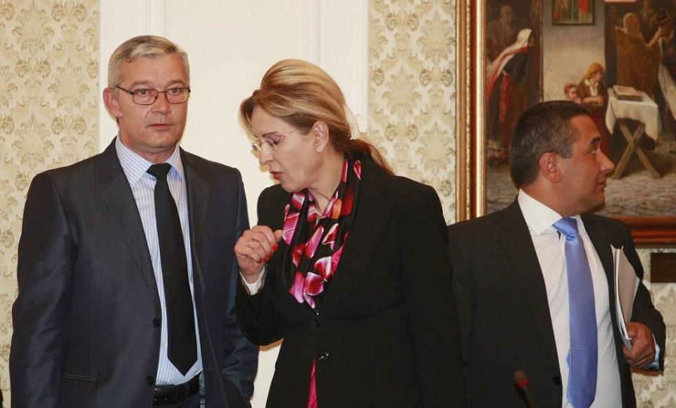 Бившият подуправител на БНБ Цветан Гунев  (вляво). Снимка: БГНЕС