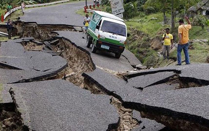 Щетите от земетресението в Непал се изчисляват на около $5 милиарда - близо 20% от БВП на страната.