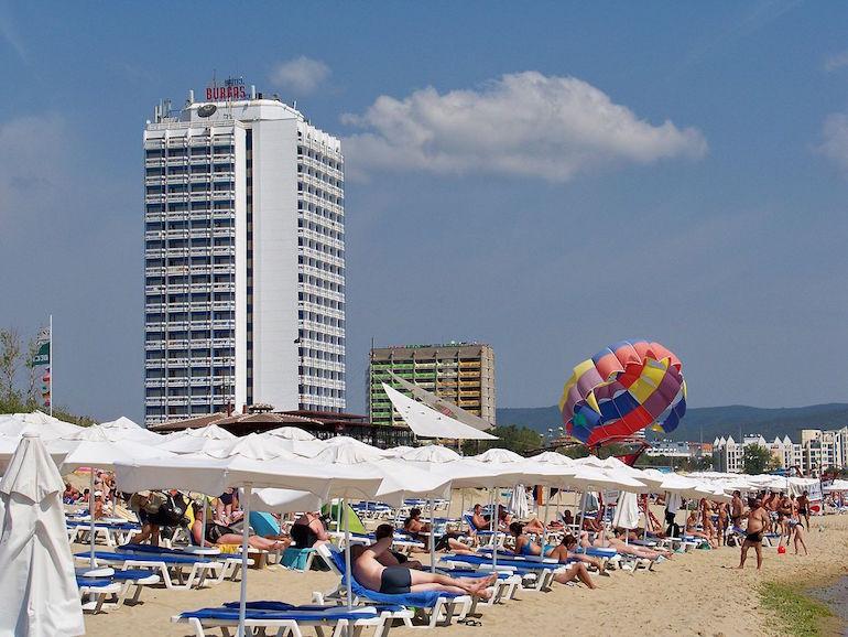 1200px-Bulgaria-Sunny_Beach-03