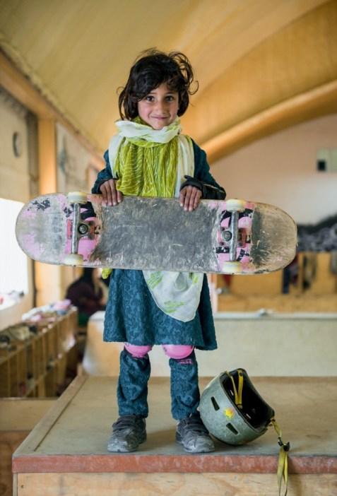 8_Afghanistan-Skateboarding-696x1024
