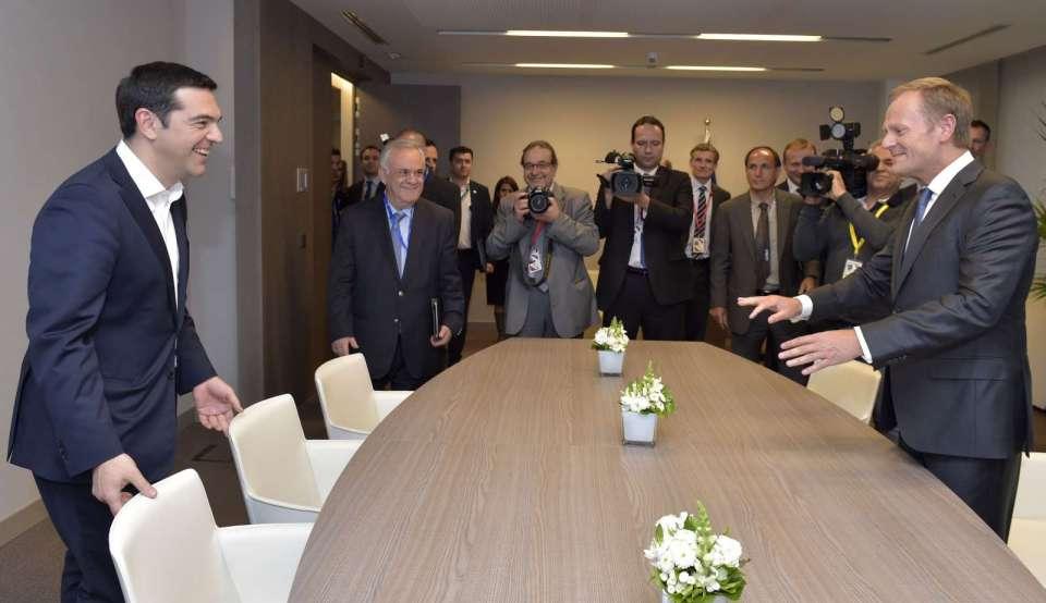 Премиерът на Гърция Алексис Ципрас и председателят на Европейския съвет Доналд Туск.