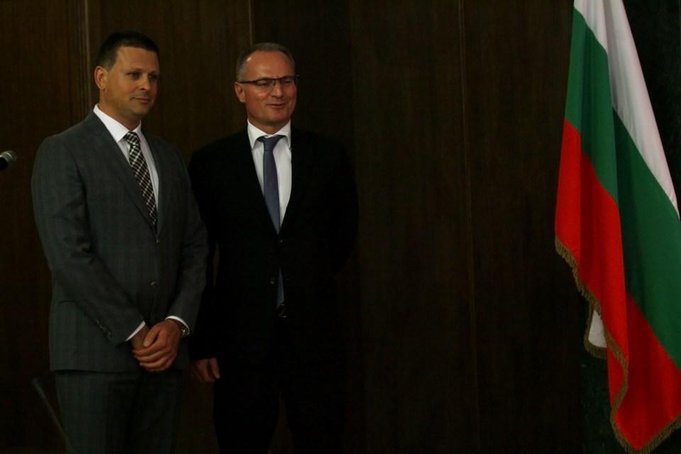 Калоян Топалов и шефът на ВКС Лозан Панов. Снимка: БГНЕС