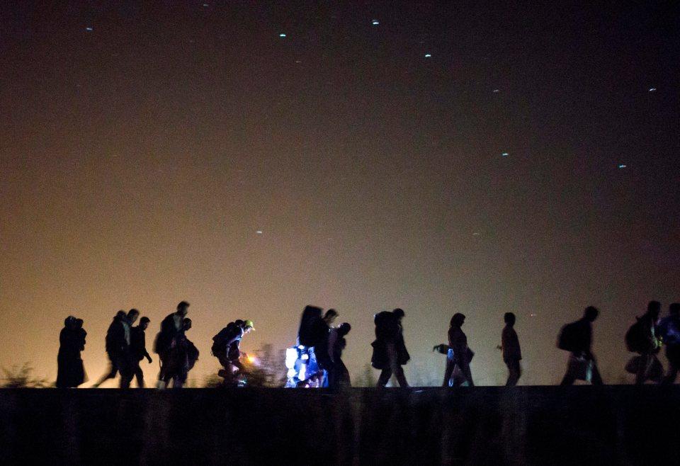 Поход на мигранти посред нощ. Снимка: ЕРА/БГНЕС