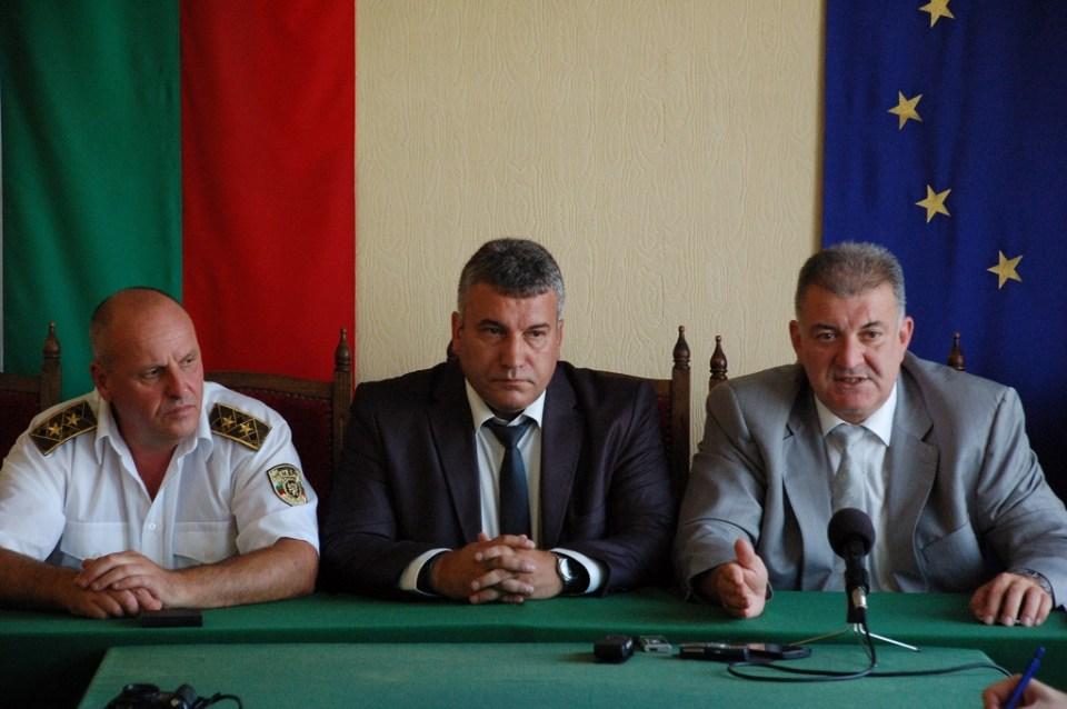 Ивайло Антонов (в средата). Снимка: Новините от Монтана
