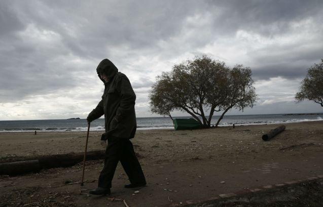 Гърция е пощадена от снега, но има силен вятър.