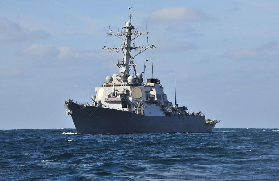 120129-N-OP638-127  USS Porter Снимка: Wikimedia