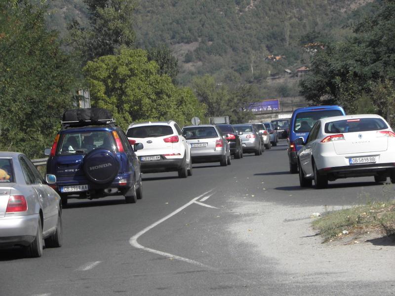 Трафикът по Е-79 край Симитли в посока София ©БГНЕС