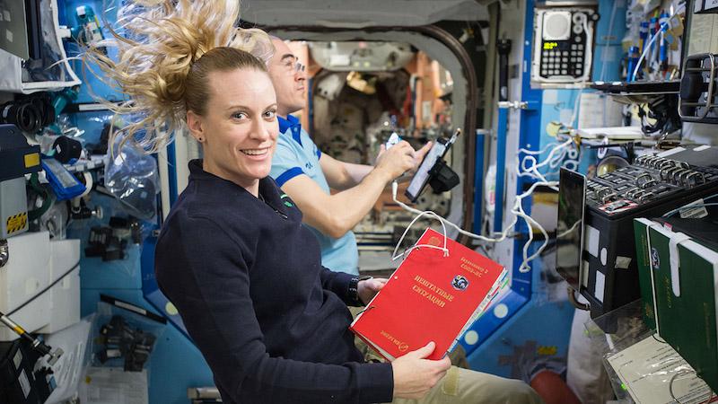 астронавт мкс