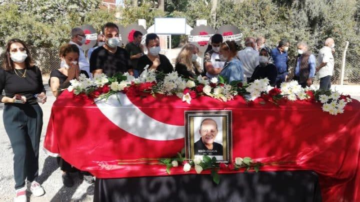 Üç yıldır kanser tedavisi gördüğü Ankara Şehir Hastanesinde önceki gün hayatını kaybeden Sözcü Gazetesi Yazarı Bekir Coşkun, memleketi Şanlıurfa'da toprağa verildi. Gece saatlerinde Şanlıurfa'ya getirilen cenaze, Mehmet Akif İnan Eğitim ve Araştırma Hastanesi Morguna konuldu. Sabah saatlerinde morgdan alınan cenaze, defnedilmek üzere Karaköprü ilçesine bağlı Tülmen Mahallesi'ne götürüldü. Burada kılınan öğle namazının ardından düzenlenen cenaze törenine Büyükşehir Belediye Başkanı Zeynel Abidin Beyazgül, Karaköprü Belediye Başkanı Metin Baydilli, Bekir Coşkun'un eşi Andree Coşkun, oğlu Tolga Coşkun ve kızı Ebru Coşkun ile Bekir Coşkun'un kardeşleri, diğer yakınları, gazeteci arkadaşları ve siyasetçiler katıldı. Türkiye'nin bir çok ilinden de cenazeye çelenk gönderildi. Coşkun'un cenazesi törenin ardından mahalle mezarlığına defnedildi.