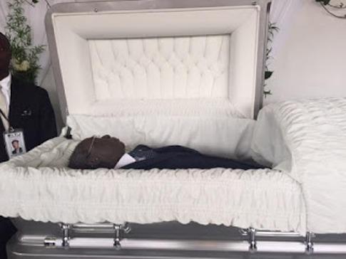 Chief Gamaliel Onosode lying i tate
