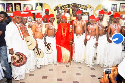 L-R- Emmanuel Ogbon,  Dan Oghoyone,  Samson Okuesa,  Simeon Ohwofa, HRM Ohworode of Olomu Kingdom, Chief Johnson Barovbe (The Aghwotu of Urhoboland), Chief Austin Tadafe,Godwin Onabedje, Edore Agba