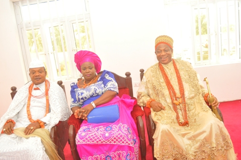 L-R- Ovie of Ughelli Kingdom, HRM Wilson Oharisi, His wife and President General of UPU (Worldwide) Olorogun Moses Taiga