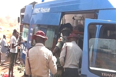 Delta: 4 Die Along Asaba-Ibusa Expressway As Petrol Tanker Collides With 4 Vehicles