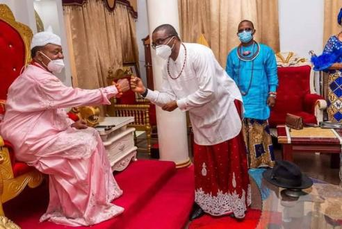 David  Edevbie  Pays Homage To  Ughelli   Monarch (PHOTOS)