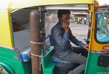 Photo of टूटती सांसों को ऑटोरिक्शा चालक,जो दे रहा मुफ्त में ऑक्सीजन।