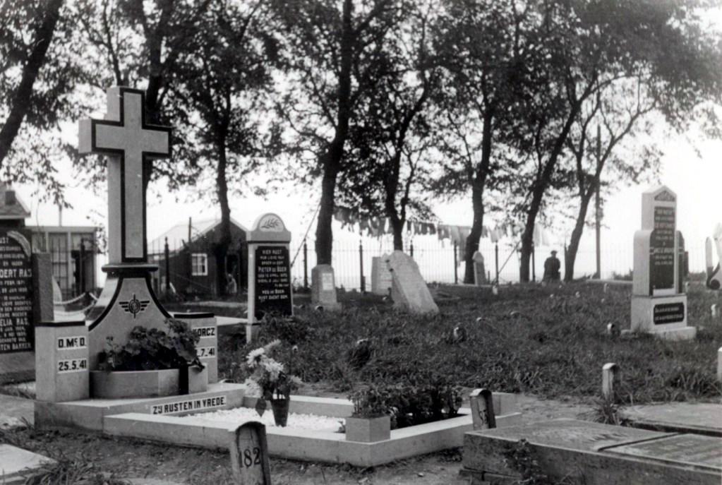 Lezing: Geheimen van de Urker oorlogsgraven