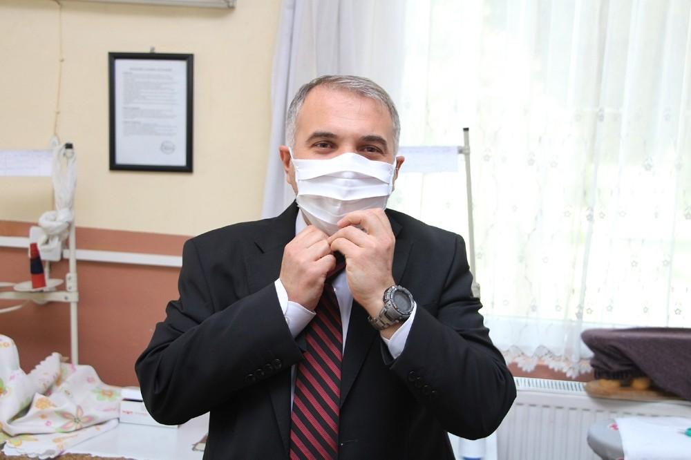 Kaymakam Duru Maske Üretim Atölyesini Ziyaret Etti