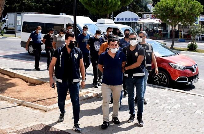Çeşmede 3 İnsan Kaçakçısı Tutuklandı