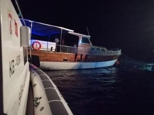107 Göçmenin Bulunduğu Tekne Balık Çiftliği Kafesine Çarptı