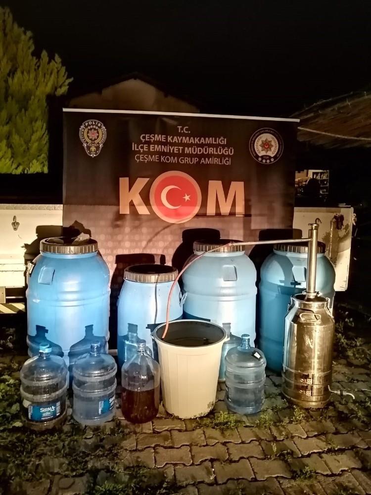 Çeşme'de Kaçak İçkiyi Piyasaya Sürmeye Çalışan Zanlıya Suçüstü