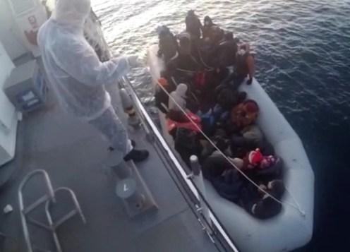 İzmirde 32 Göçmen Kurtarıldı