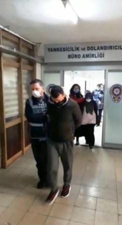 İzmirde Arama Motoru Üzerinden Binlerce Liralık Vurgun: 10 Kişi Tutuklandı