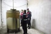 İzmirde Kaçak İçki Operasyonu