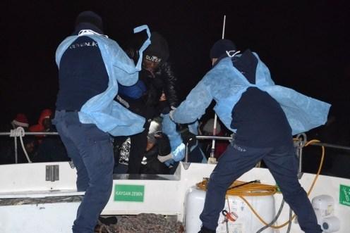 Yunanların Türk Kara Sularına İttiği 48 Sığınmacı Kurtarıldı