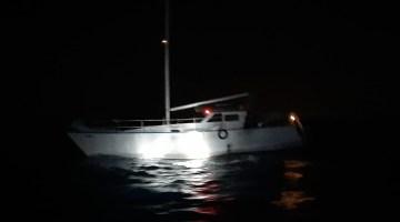 Urla açıklarında 62 göçmen ve 2 göçmen kaçakçısı yakalandı