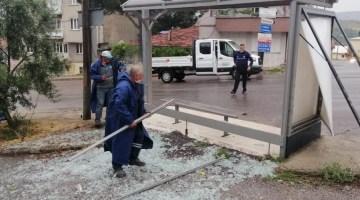 Manisa'da şiddetli fırtına ve yağmur etkili oldu