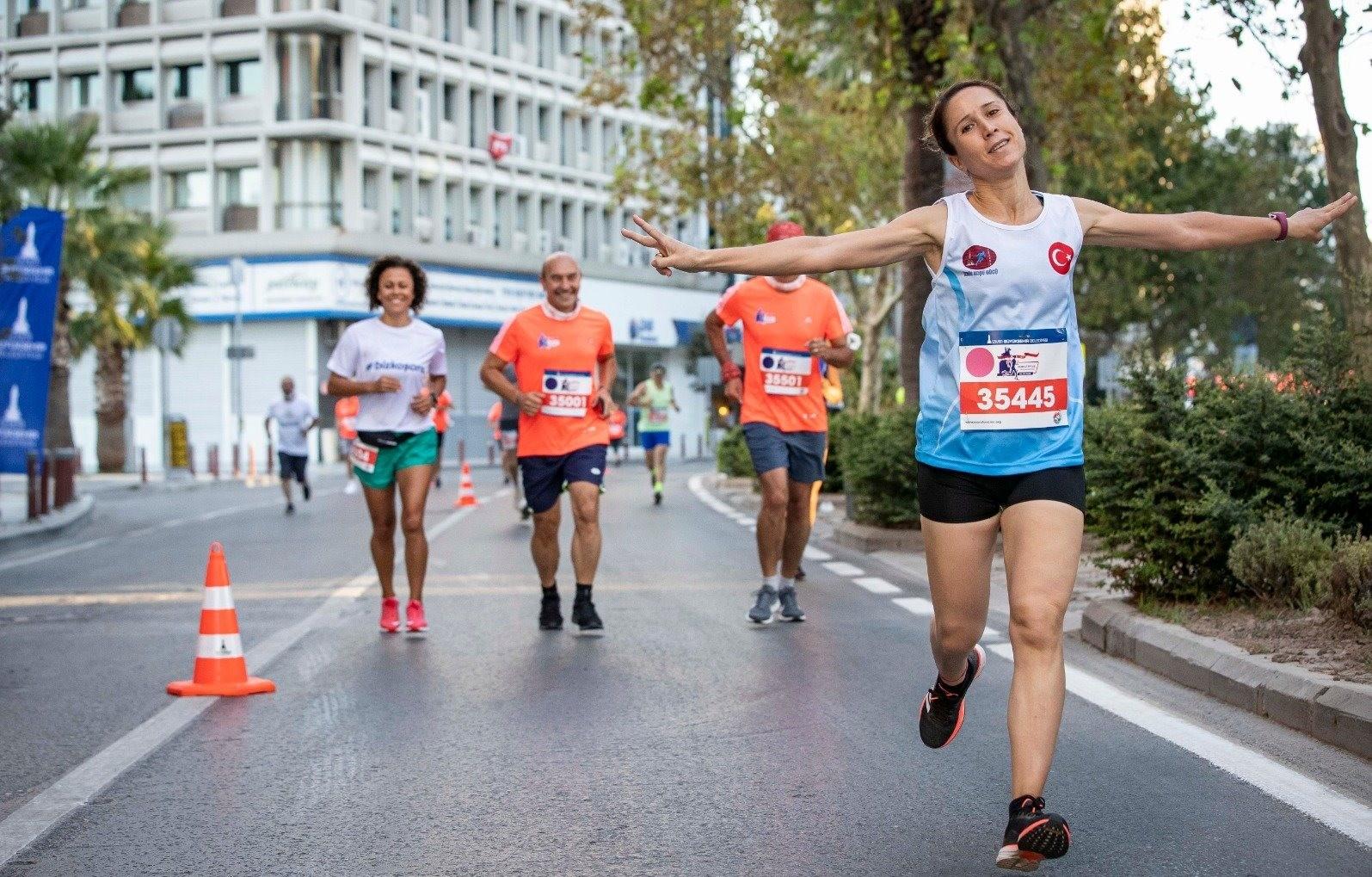 9 Eylül İzmir Yarı Maratonu'na rekor katılım