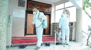İzmirde Korona Virüsüne Karşı Dezenfektan Harekatı