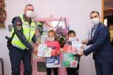 Polis, Trafik Haftasında Evde Kalan Çocukları Unutmadı