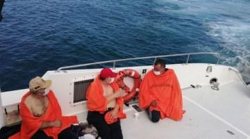 İzmirde Karaya Oturan Teknelerde Mahsur Kalan 4 Kişi Kurtarıldı