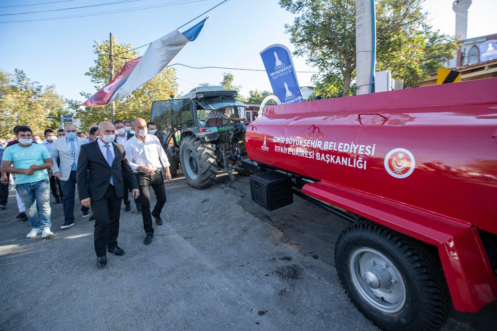 İzmirde Orman Köylülerine Yangın Tankerlerinin Dağıtımı Başladı