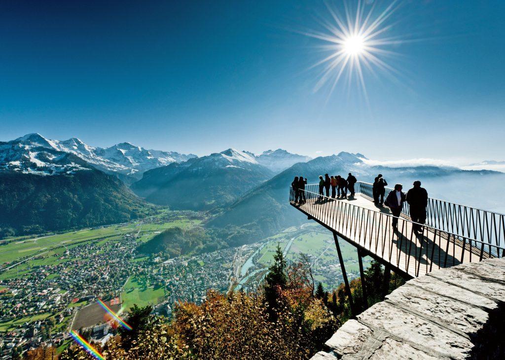 Aussichtsreich und umweltfreundlich: In den Orten der Alpine Pearls kommen Urlauber auch ohne Auto überall hin.