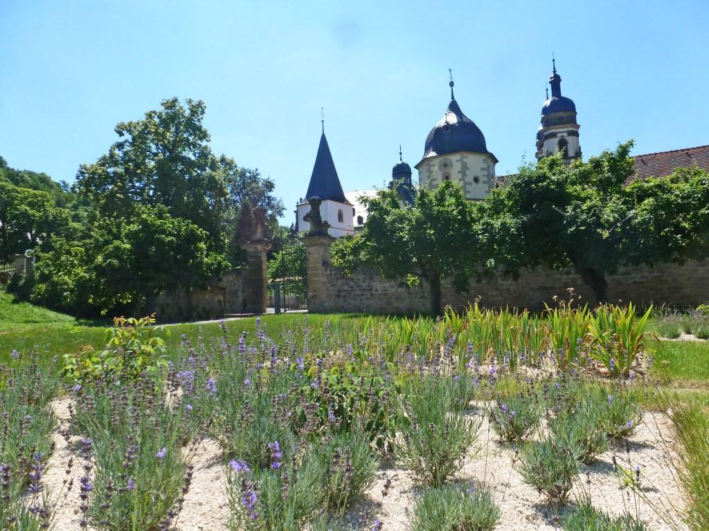 Abteigarten des Kloster Schöntal - Hohenloher Gartenparadies