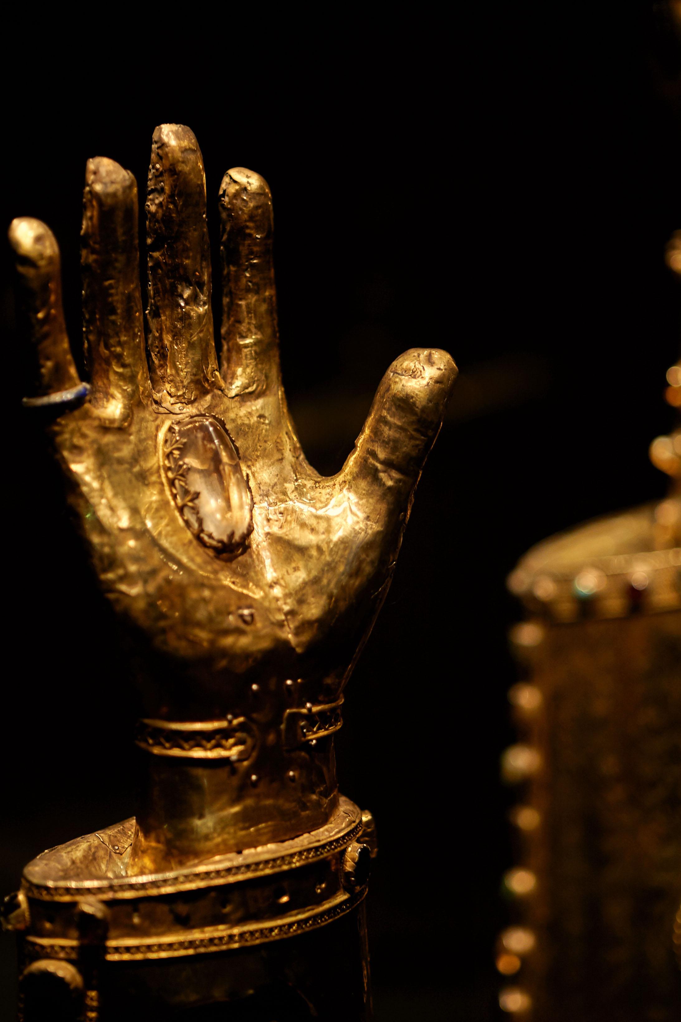Kostbare goldene Reliquien sind im Halberstädter Domschatz zu bewundern.