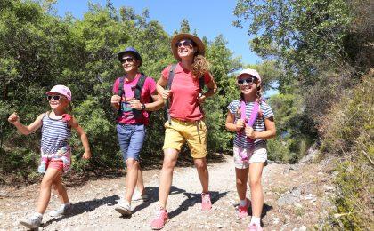 Ob ein Wander- oder Radausflug - im Sommer heißt es vor allem an den Wochenenden und im Urlaub: ab nach draußen.