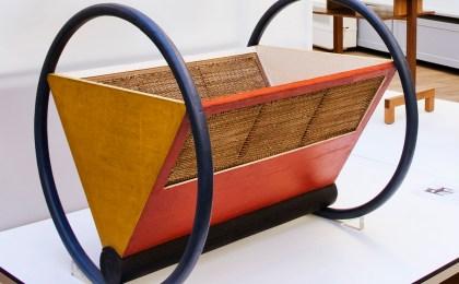 Die puristische Wiege von Peter Keler ist ein typisches Bauhaus-Möbel, sie wird bis heute hergestellt.