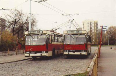 Dworzec Południowy przemianowany już na Wilanowską w popołudniowym świetle października i zagadka: jak wyprzedzić trolejbus trolejbusem? Fot. André Knoerr, Flickr.com/fototak