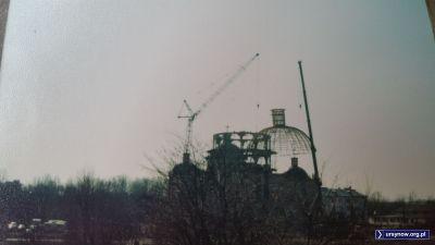 Instalacja kopuły na kościele bł. Władysława z Gielniowa. Nad. FB/Hrabia Bąk