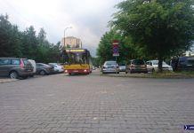 192 zakręca na parkingu przy Rosoła na Kabatach. Zupełnie jak ćwierć wieku temu! Fot. Maciej Mazur