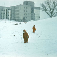 Grudzień 1981. Dość ponury krajobraz ulicy Nutki idealnie wpisuje się w klimat stanu wojennego. Fot. Adam Myśliński