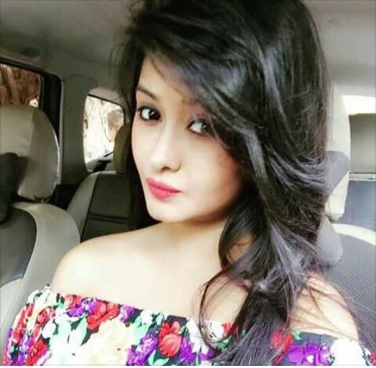 Girls Stylish Profile Pics DPs For WhatsApp and Facebook