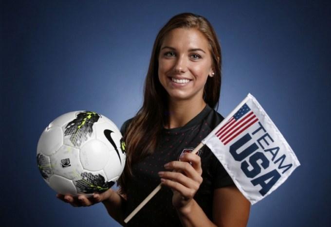 atlet wanita cantik bernama alex morgan ini merupakan pemain bola