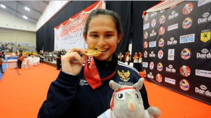 karateka ini adalah atlet cantik indonesia berprestasi pada ajang WWF